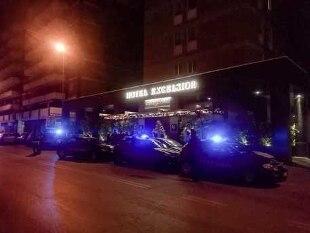 Capodanno, giovane muore per spegnere rogo. A Bari crolla solaio in hotel durante il veglione - Rai News