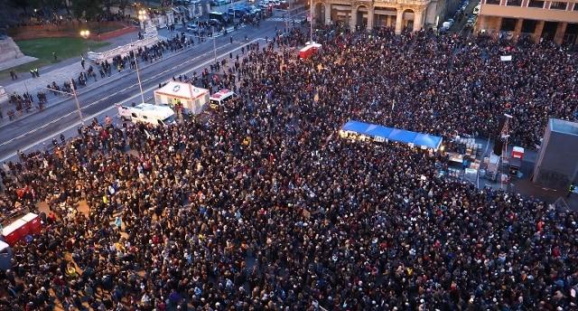 Il movimento delle Sardine in piazza a Bologna: