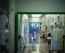 Coronavirus, calano malati in terapia intensiva, è la prima volta