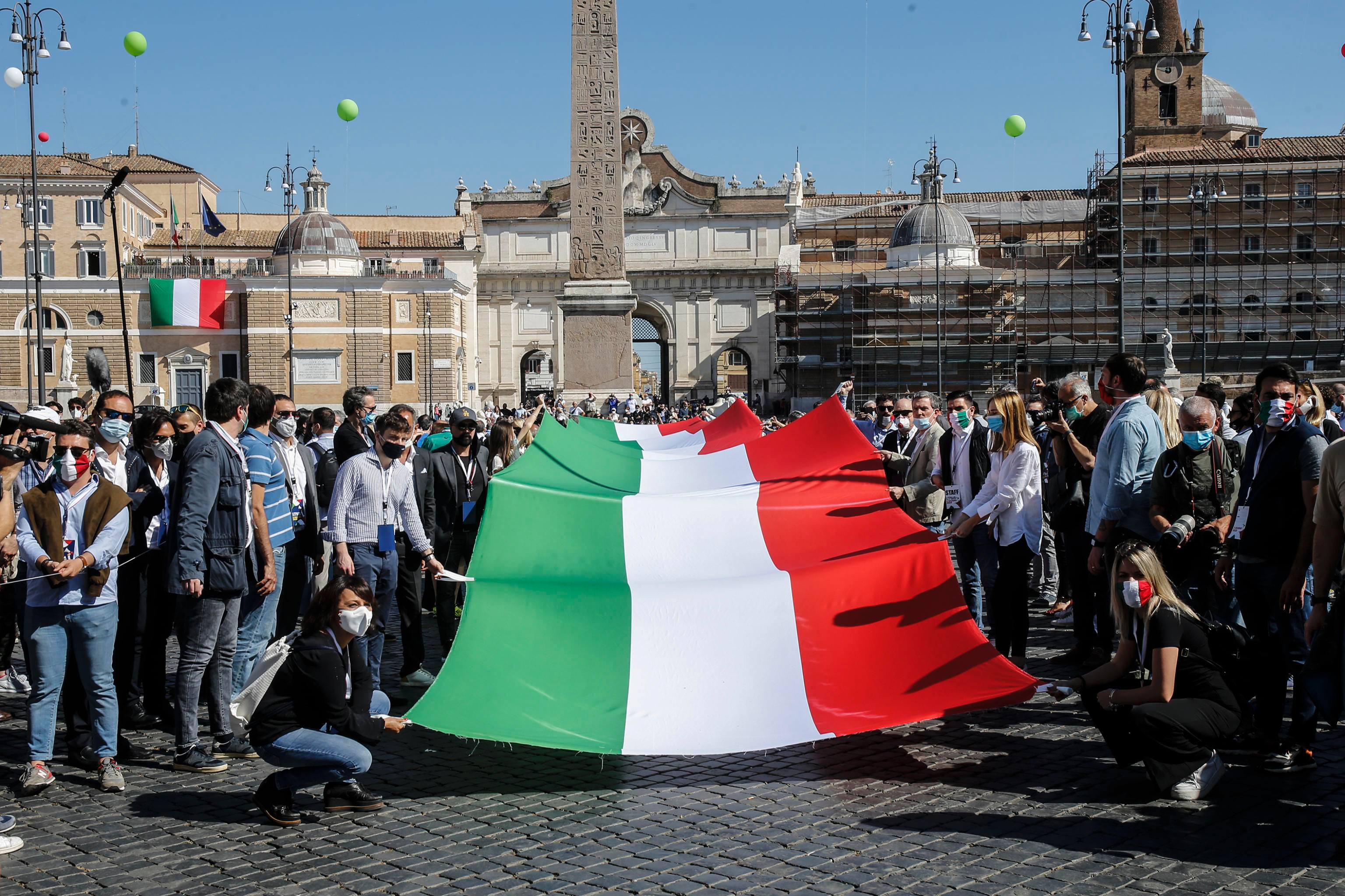 """2 giugno, centrodestra in piazza. Salvini: """"Siamo qui a nome degli ..."""