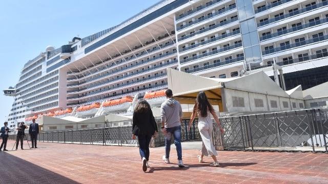 Ripartono le crociere: salpata da Genova la nave Msc ...