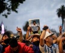 L'addio a Diego Armando Maradona. L'Argentina in fila davanti alla camera ardente alla Casa Rosada