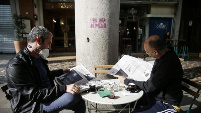 Riaprono 140mila Bar E Ristoranti Le Regole Su Tavoli All Aperto Coprifuoco Stop Ai Banconi Photogallery Rai News